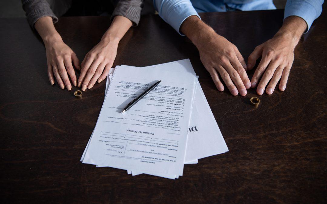 ¿Qué tipo de abogado debes contratar para tu divorcio en Estados Unidos?