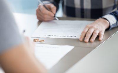 ¿Cuáles son los papeles de divorcio que debo presentar al tribunal?