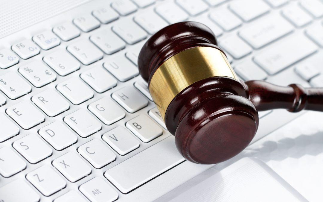 ¿Se puede confiar en un abogado online?