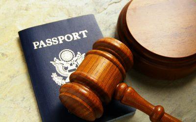 ¿Cómo puede ayudarte un abogado de migración?