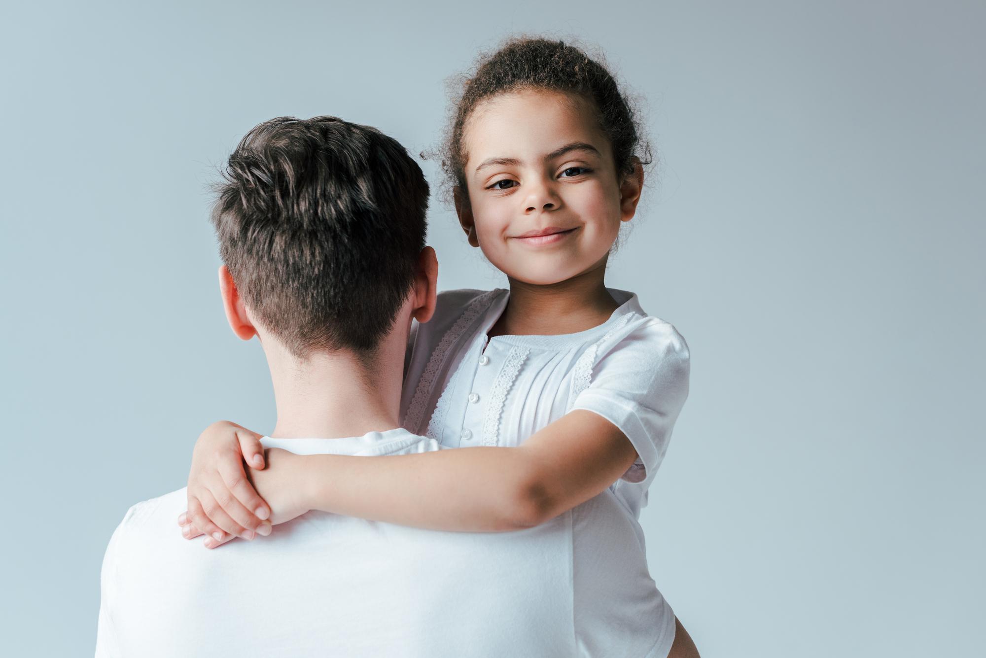 Puede un abogado de familia en Houston ayudar en el proceso de adopción