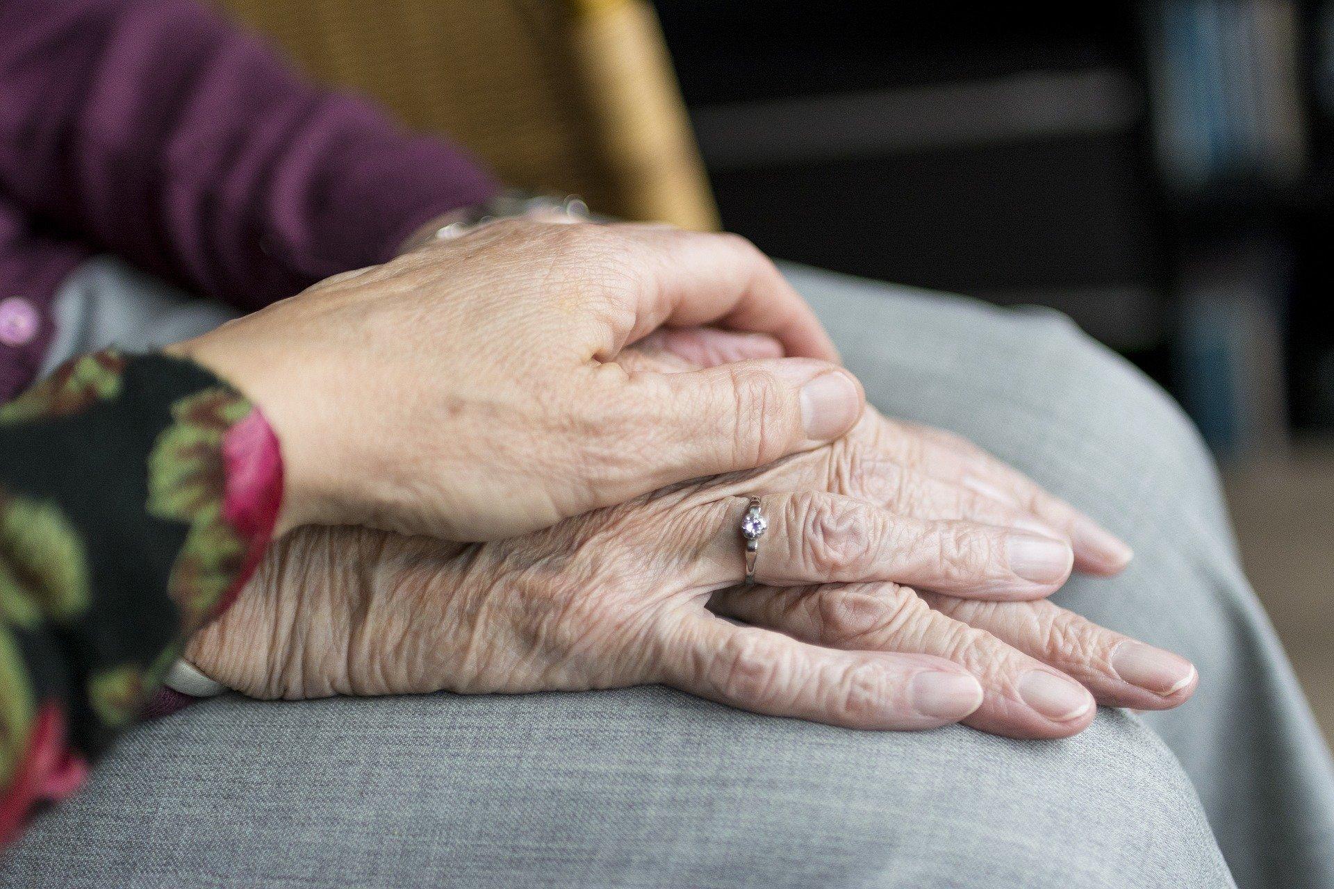 División de activos en parejas mayores durante el divorcio